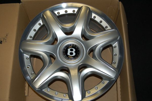 "<span class=""light"">Bentley</span> Continental GT – Mulliner Wheel set"