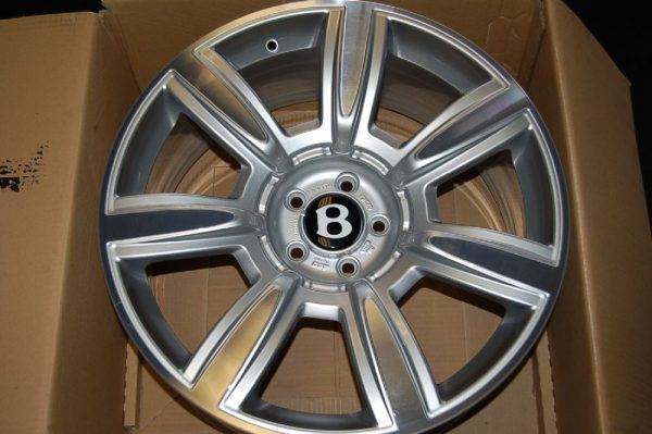 "<span class=""light"">Bentley</span> Continental Flying Spur Wheel Set"