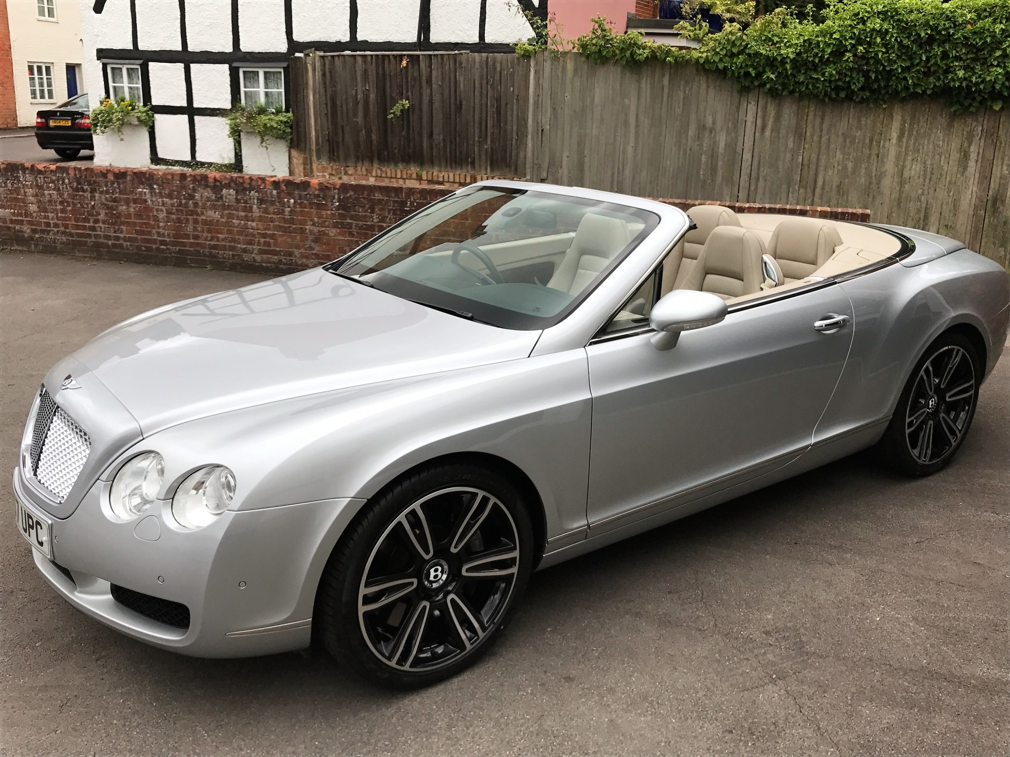Bentley Continental GTC – 2007 – Phantom Motor Cars Ltd.