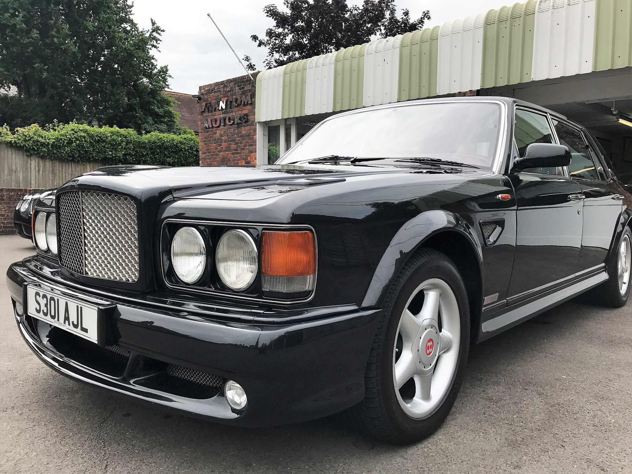 Bentley turbo rt mulliner phantom motor cars ltd for Bentley motors limited dream cars